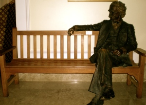 "Mark Twain - shown here in Bermuda Bronze - is one of several authors credited with saying in some way, ""I'm sorry for sending such a long letter, but I didn't have time to write a short one.""  Click above on Ol' Samuel L. Statue for a history of that famous Short Thought. (Photo: PaC)"