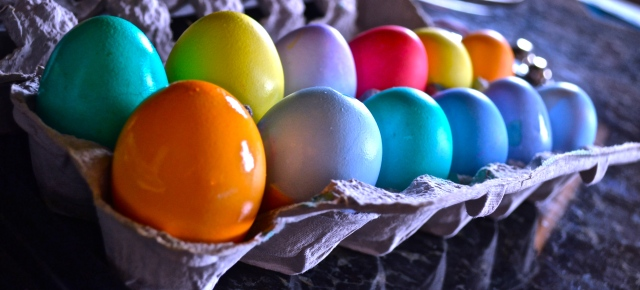 AN EASTER EGG RAINBOW