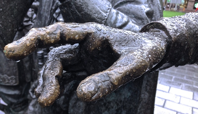 "DUTCHFINGER - A very close look at a hand on one of the statues that depict in three dimensions Rembrandt's ""The Night Watch"" - Rembrandt Square, Amsterdam (PHOTO: PaC)"